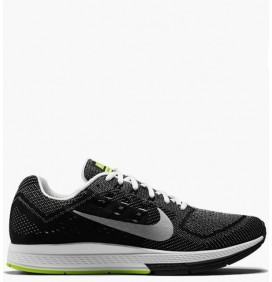 NIKE AIR ZOOM STRUCTURE18